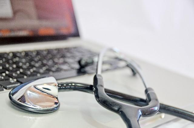 データ復旧及びトラブルシューティングは専門業者に依頼しよう